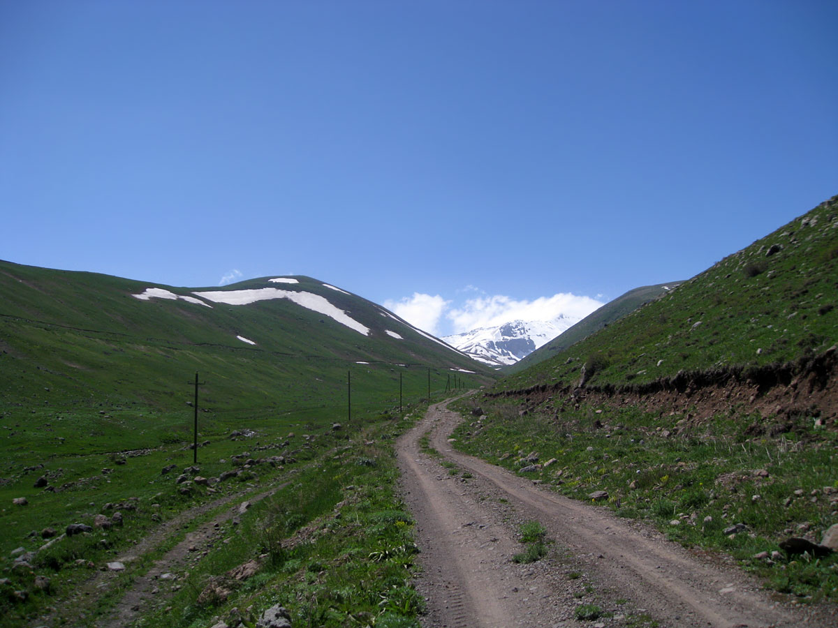Road to Aragats through the Geharot gorge